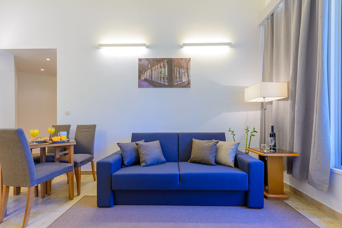 One bedroom apartment with patio and sea view adriatic resort apartments for One bedroom apartments near fsu